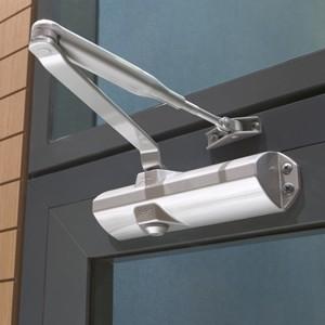instalar muelle cierra puertas desde 90€ instalacion incluida