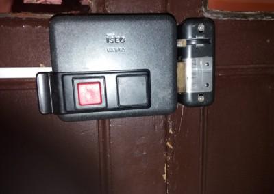 cerradura electrica puerta de portal