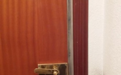 cerrojos de alta seguridad en puertas blindadas