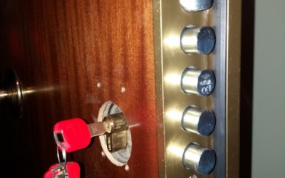 conversion cerradura de gorjas a bombillo de perfil europeo