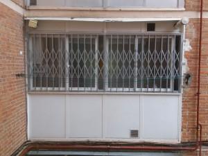 instalacion cierres de tijera - Cerrajero de Madrid - www.cerrajero-de-madrid.es