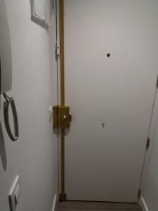 instalacion de cerradura sidese en puerta blindada