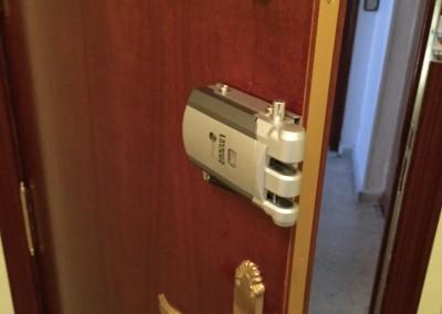 instalacion de cerraduras invisibles