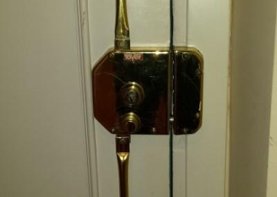 instalacion y reparacion de cerraduras de sobreponer