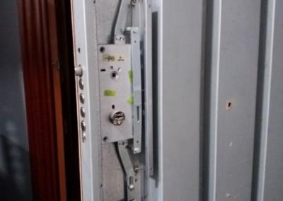 mecanismo de puerta acorazada
