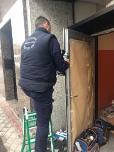 reparacion de puertas de aluminio - Cerrajero de Madrid - www.cerrajero-de-madrid.es
