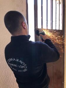 reparacion de puertas metalicas - Cerrajero de Madrid - www.cerrajero-de-madrid.es