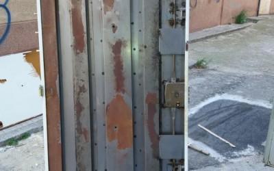 restauracion de puerta corazada antigua