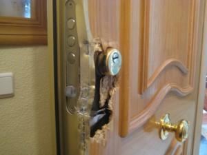puerta_intento_de_forzar_007