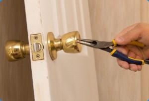 reparacion puerta de interior