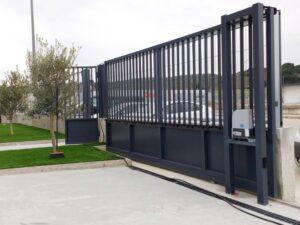Motorización - Reparación - Instalación de puertas de garaje correderas - Madrid y alrededores - CERRAJERO DE MADRID