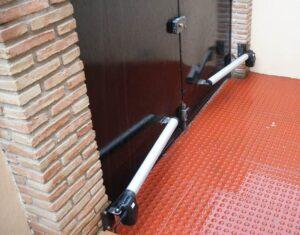 MOTORIZACION - REPARACION - INSTALACION Puertas Batientes de Garaje - Cerrajeros Romero López - CERRAJERO DE MADRID